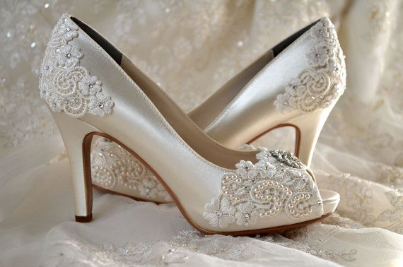 749f13eb19a Tips for Picking the Perfect Wedding Shoes - Wedding Planner